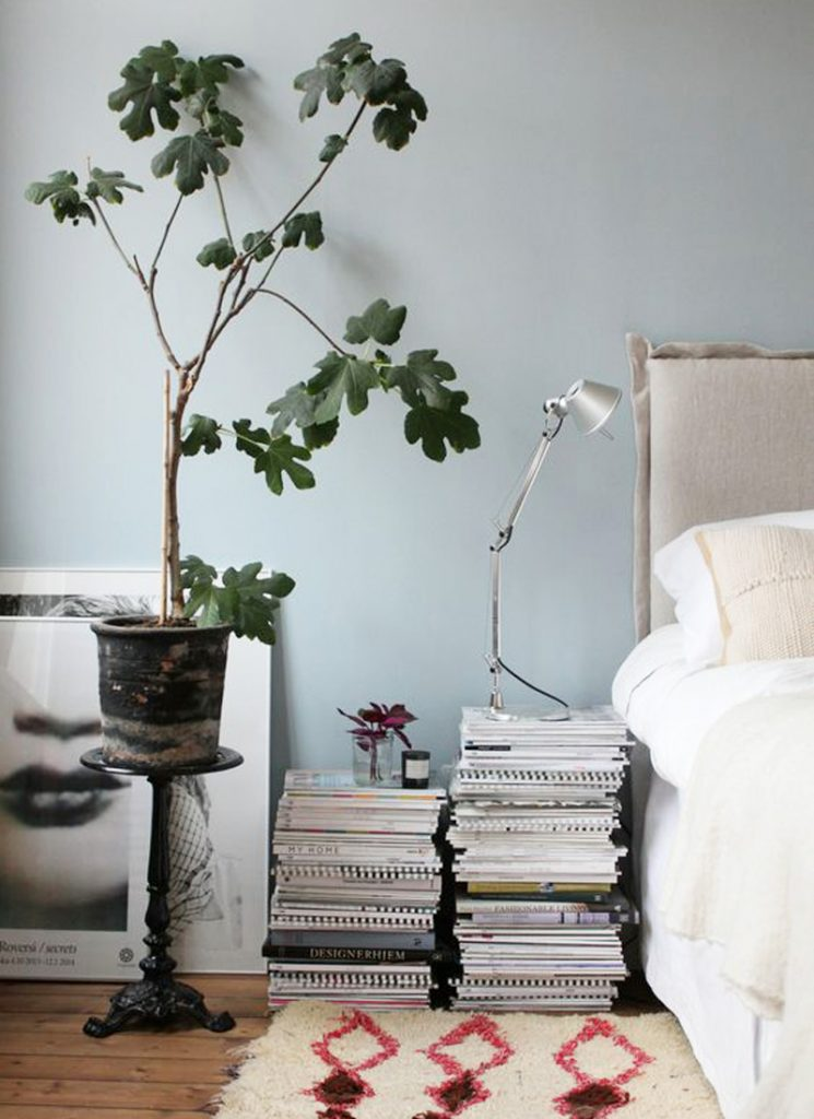 Shake the deco - Table de nuit DIY magazines