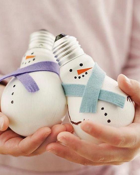 DIY Bonhomme de neige avec une ampoule