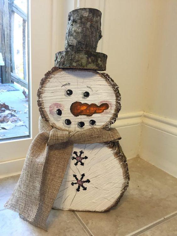 DIY Bonhomme de neige en rondins de bois