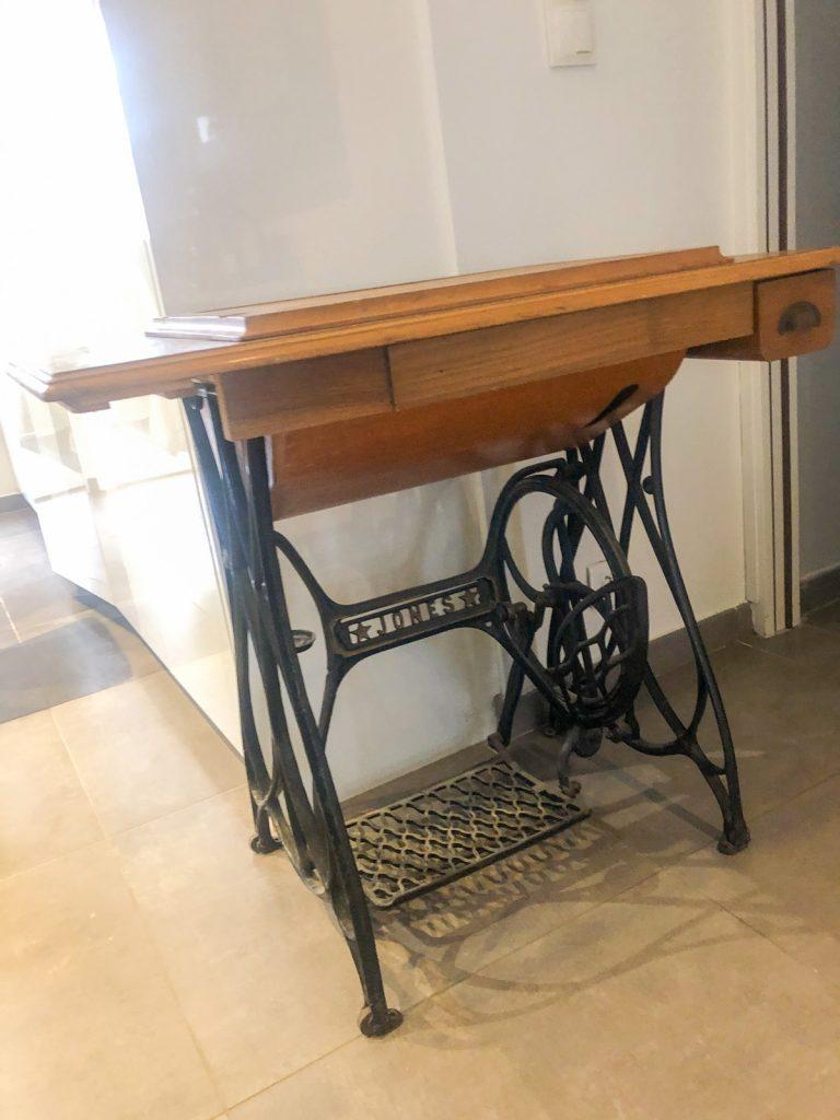 Table de machine à coudre - Ancienne table