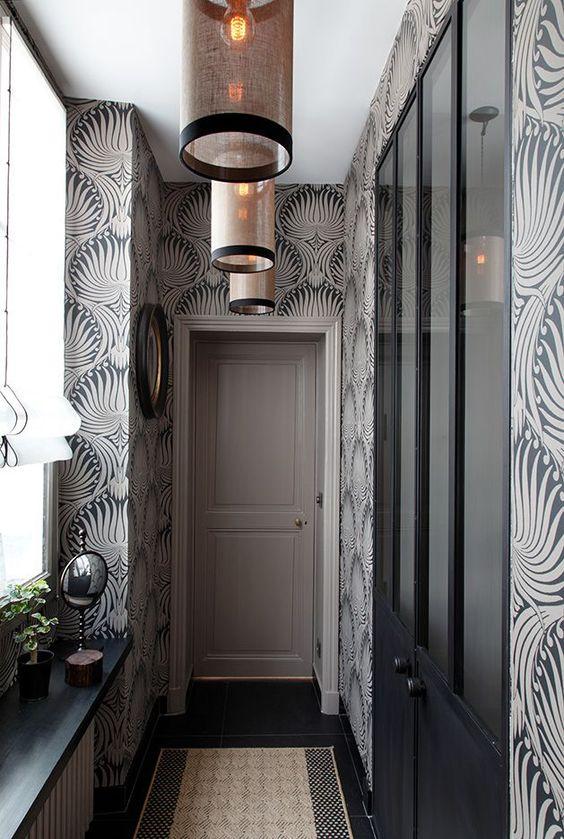 Comment-decorer-un-couloir-avec-du-papier-peint-2