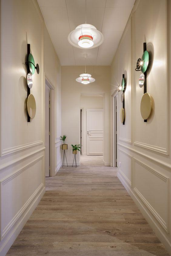 Decorer-un-couloir-avec-les-luminaires