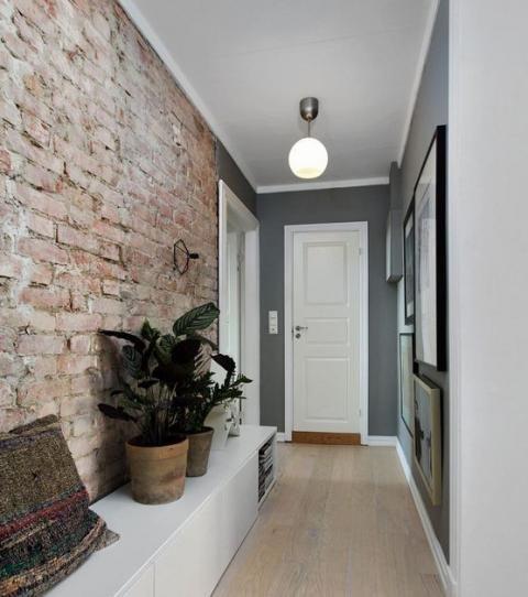 Comment-decorer-un-couloir-avec-un-meuble-de-rangement-bas