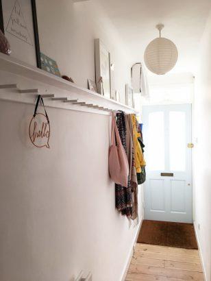 comment-decorer-un-couloir-avec-un-porte-manteaux-2