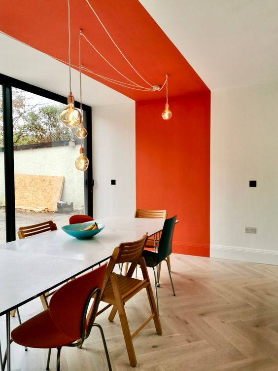 Touche orange Mur